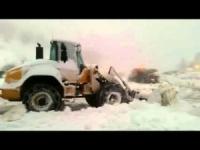 Super nevicata sui rilievi d'Israele: la bufera sul Monte Hermon