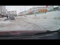 Oggi le comiche: vento e neve, video virale dalla Russia