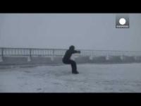 Mount Washington: vento a 175 km/h solleva un uomo come una foglia!