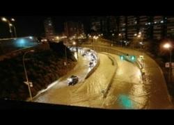 Spagna, alluvione ad Alicante, strade come fiumi