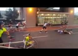 """Corsa in bici contro il vento alla """"Fantozzi"""". È successo in Sudafrica"""
