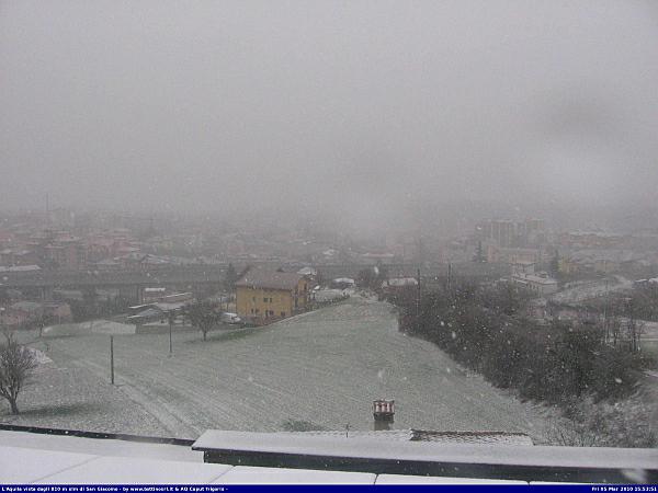 immagine 5 del capitolo 1 del reportage invernata in atto nevica a basse quote sull appennino fiocchi in val padana