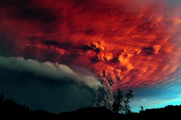 Cielo Rosso Di Notte.Lo Spettacolo Travolgente Dell Eruzione Del Vulcano Cileno Puyehue