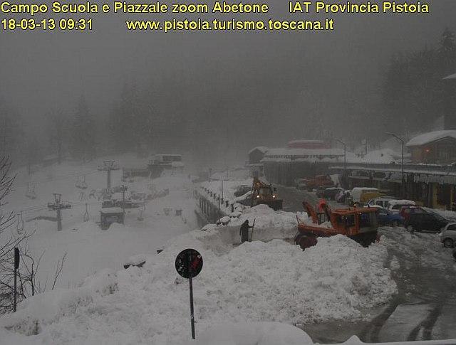 Abetone Sommerso Di Neve Ma Ora Imperversa La Pioggia Battente Meteogiornale It