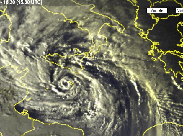 Ciclone in arrivo sulle coste ioniche: l'allarme della Protezione Civile$