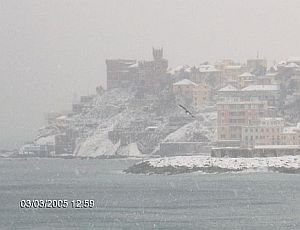 immagine articolo il miracolo della neve a genova si chiama tramontana scura