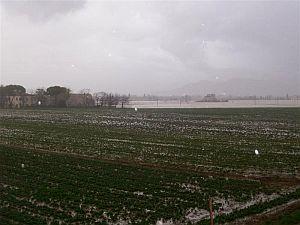 immagine articolo natale o pasqua nubifragi e piene di fiumi al nord caldo e ventoso al centro sud