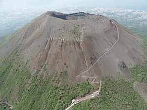 immagine articolo vesuvio allargata la zona rossa in caso eruzione