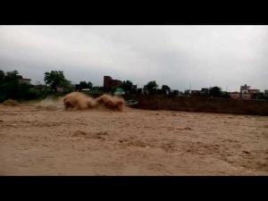 immagine news ponte-collassa-dopo-super-piogge-monsoniche-video-choc