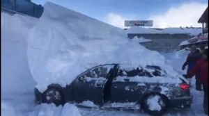 immagine news auto-sepolte-di-neve-in-austria-ecco-come-liberarle-video-meteo