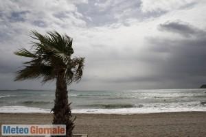 immagine news meteo-weekend-venti-ciclonici-italia-mareggiate