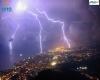 Spettacolo di fulmini illumina la notte di Genova