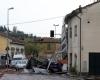 Nubifragi Toscana, tetti scoperchiati: le devastazioni riprese con il drone