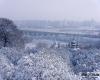 Bella nevicata a Kiev, finalmente l'inverno! Neve anche a Astrakhan, tempesta di bora sul Mar Nero