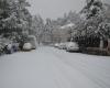 L'inverno arriva in Grecia e Turchia. Neve sui monti ateniesi e ad Ankara
