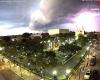 Enorme nube a mensola inghiotte una città messicana. Di colpo si fa notte