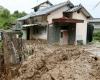 Giappone travolto da piogge torrenziali, frane, colate di fango. Ci sono vittime