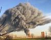 Super esplosione raffineria, video shock. Pericolosa nube tossica in cielo