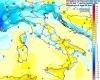 """Che caldo sull'Italia, punte """"over"""" 25°C. Calo termico in vista nel weekend"""