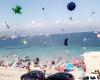 """Caos in una spiaggia francese: l'irruzione del """"mini tornado"""" a ciel sereno"""