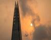 Sole rosso, atmosfera spettrale in Gran Bretagna durante l'uragano Ophelia