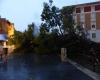 Catalogna, improvvisa tempesta di vento su Tarragona: danni ingenti