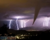 DIRETTA METEO Italia: fortunali, temporali e grandine in rotta verso il Centro e Sud