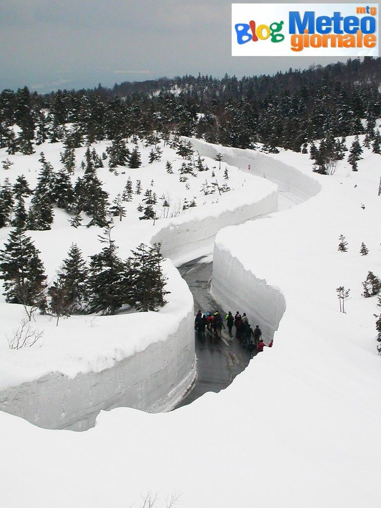 o AOMORI SNOW 570 - Straordinario inverno alpino si avvicina a quelli alpini giapponesi