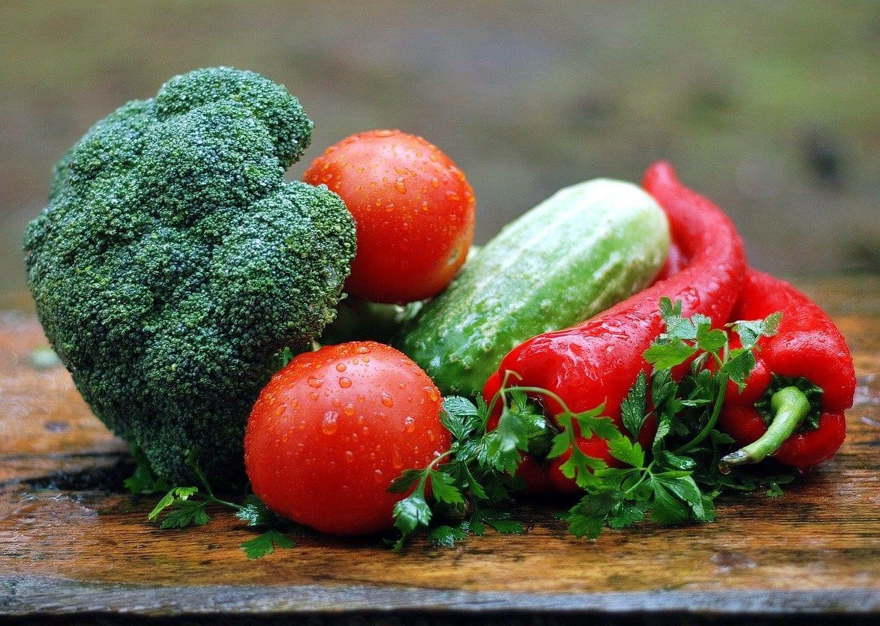 vegetables 1584999 1280 - L'alimentazione giusta ci farà vivere sani e a lungo