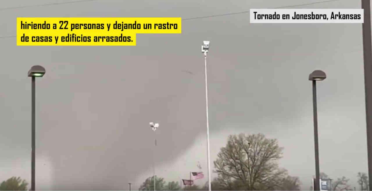 tornado arkansas - A tu per tu col tornado: video pauroso dall'Arkansas