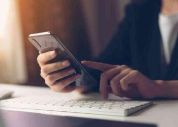iStock 1134890323 350x250 - Coronavirus, importantissimo pulire lo smartphone: ma come?
