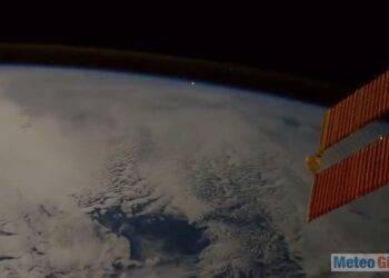 meteorite vista da navicella spaziale 350x250 - Progetto NASA ed ESA per monitorare gli Asteroidi più pericolosi per la Terra