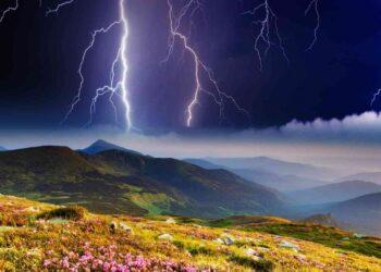 AdobeStock 42261045 scaled 1 350x250 - Le previsioni meteo per domani, 15 luglio. Irrompono TEMPORALI, ecco dove