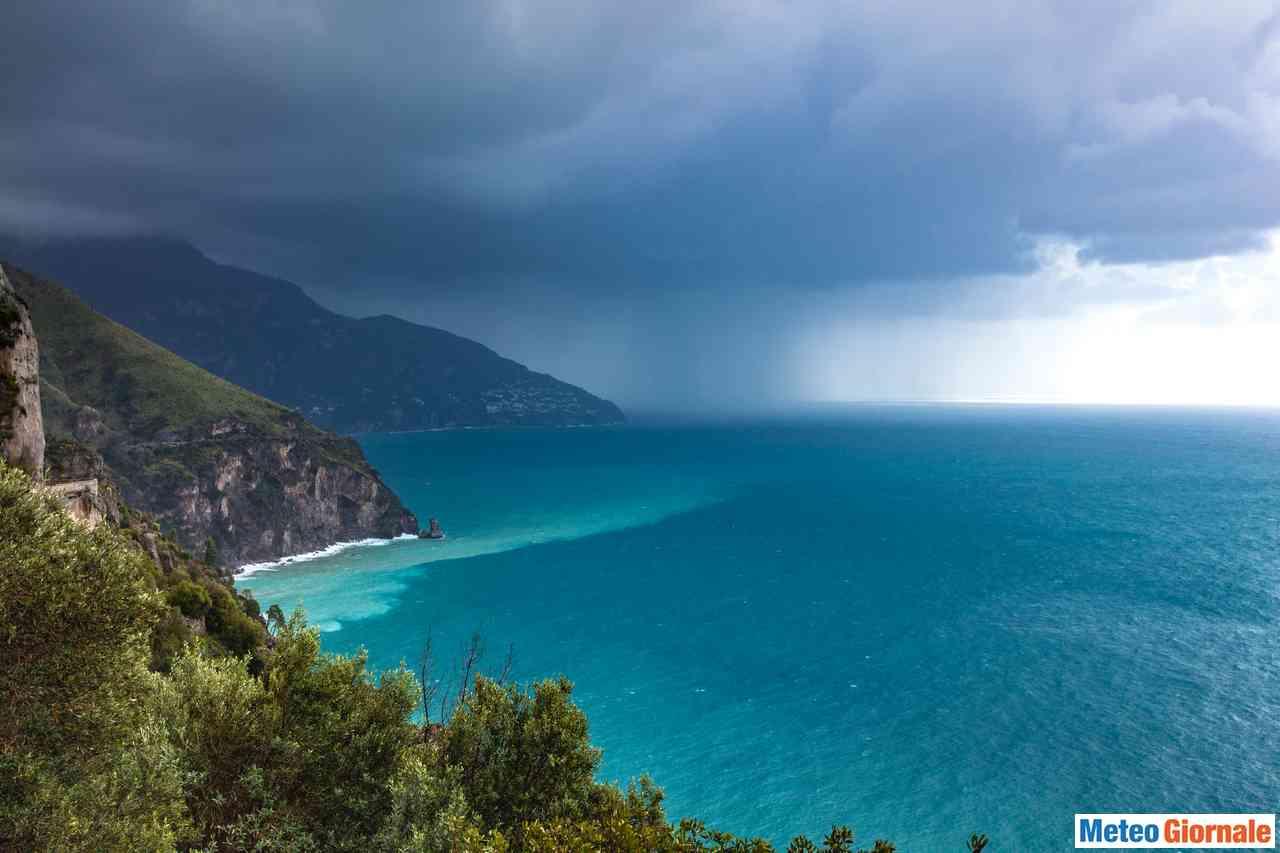 iStock 1064704112 - Incredibile frustata di TEMPORALI e nubifragi! ESTATE in crisi, ma ci sono novità meteo dall'Africa
