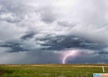 iStock 638833440 350x250 - Sconquasso meteo imponente: POTENTI TEMPORALI scalzeranno la bolla africana