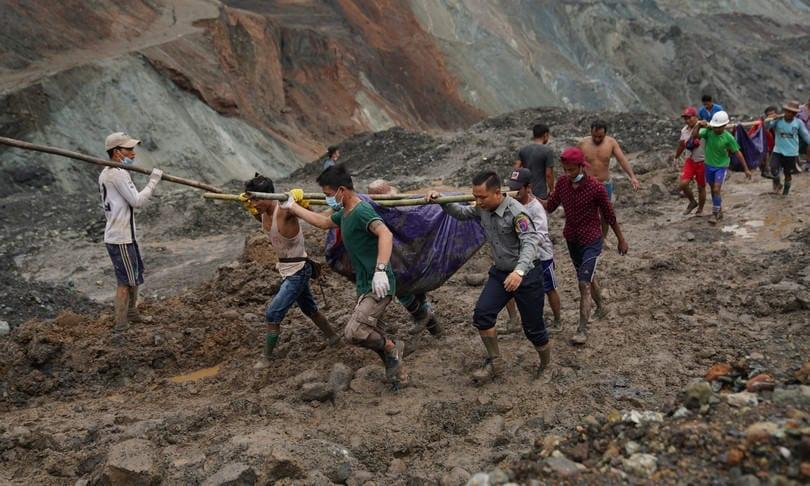 myanmar - FRANA in una miniera del Myanmar, il video in diretta è impressionante