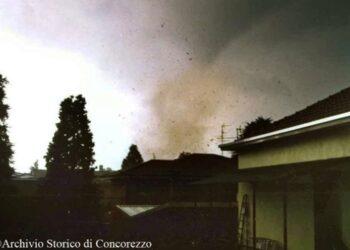 tornado arcore 350x250 - Sconquasso meteo imponente: POTENTI TEMPORALI scalzeranno la bolla africana