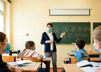 apertura scuole 350x250 - Coronavirus il motivo della perdita dell'olfatto