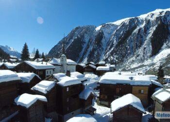 forti nevicate sulle alpi nel prossimo inverno 350x250 - Prossimo Inverno: NAO negativo. Centro Meteo Canadese neve al Nord Italia e non solo
