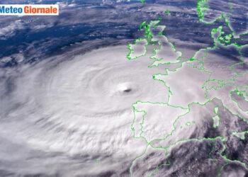 uragani tropicali verso europa 350x250 - La minaccia di tempeste tropicali nel meteo d'Autunno Previsioni. Analisi da AccuWeather