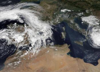 2880px Alpha and Ianos 2020 09 18 350x250 - Uragani e tempeste tropicali arrivano in Europa, stagione 2020 record