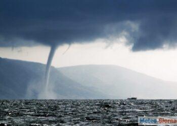AdobeStock 7497497 350x250 - TORNADO devasta stabilimento balneare: il VIDEO è impressionante