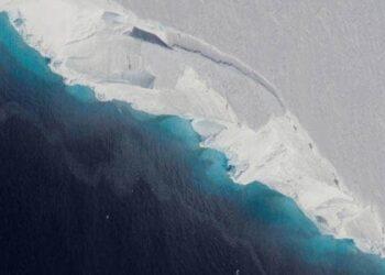 glacier 1 350x250 - Ghiacciaio della Marmolada, bruttissime notizie. Si sta per estinguere