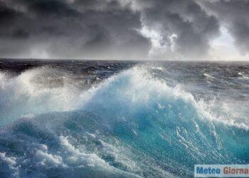 iStock 688838104 350x250 - Burrasca di vento nel weekend, raffiche oltre 100 orari e super mareggiate