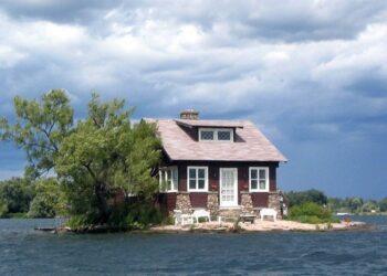 mag1 46 350x250 - Dove si trova l'isola abitata più piccola del mondo? Guardate questa foto!