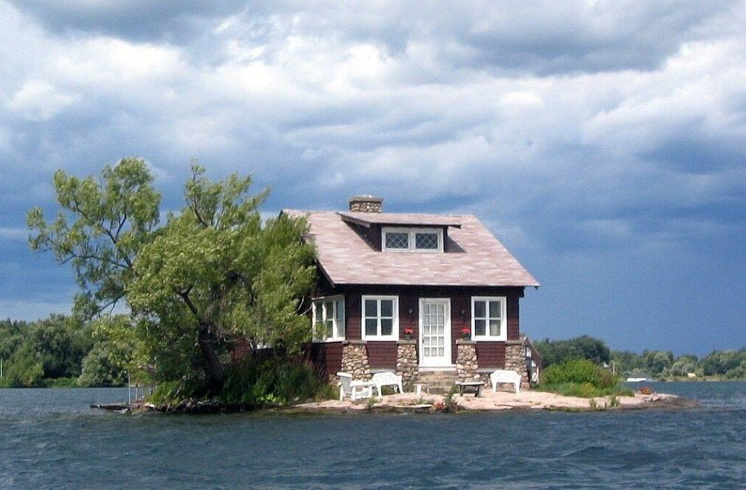 mag1 46 - Dove si trova l'isola abitata più piccola del mondo? Guardate questa foto!