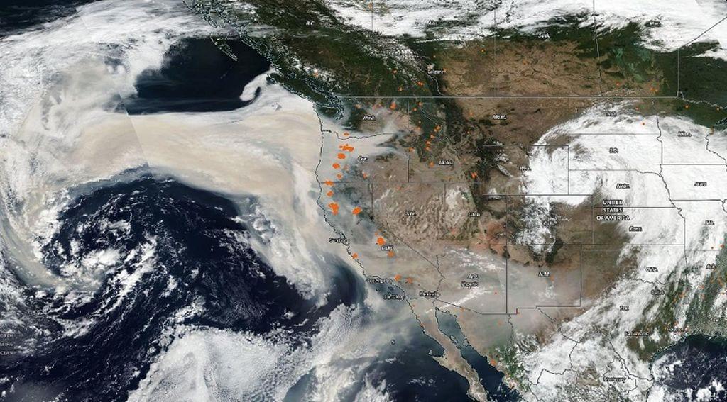 mag1 63 - Devastanti incendi degli USA, il fumo viaggia verso l'Europa
