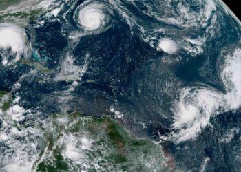tropical scaled 1 350x250 - Cinque tempeste tropicali in Atlantico tutte insieme: è un evento storico