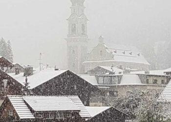 La copiosa nevicata di questa mattina su Dobbiaco.