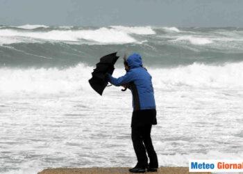 Non solo pioggia, ma anche vento forte e mare in burrasca
